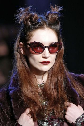 Accessories/Glasses F/W 2017 Designer Anna Sui - Vogue - Indigital tv