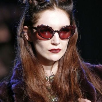 Accessories/Glasses F/W 2017 Designer Anna Sui - Vogue - Indigital tv