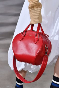Red-Geometric-Bag Spring 2018 - 3.1 Phillip Lim - Vogue -Iindigital tv