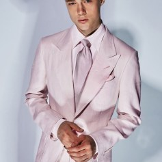 Tom Ford-Mens Spring 18 Fierce in Pink Suit Vogue pic via Tom Ford