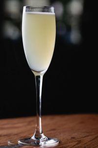 the-parasol-cocktail-paris-club