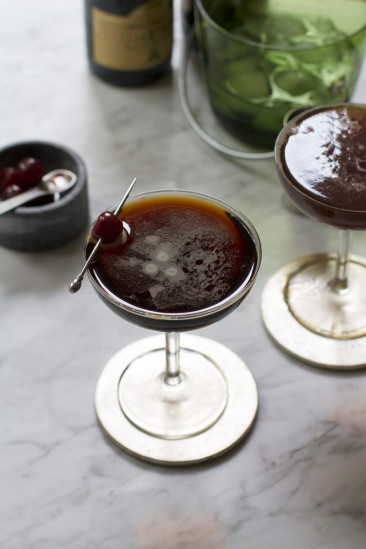 black-velvet-cocktail www.saltandwind.com